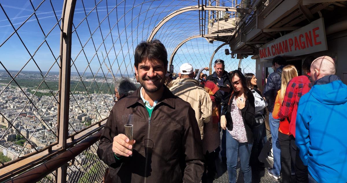 Champagne Torre Eiffel
