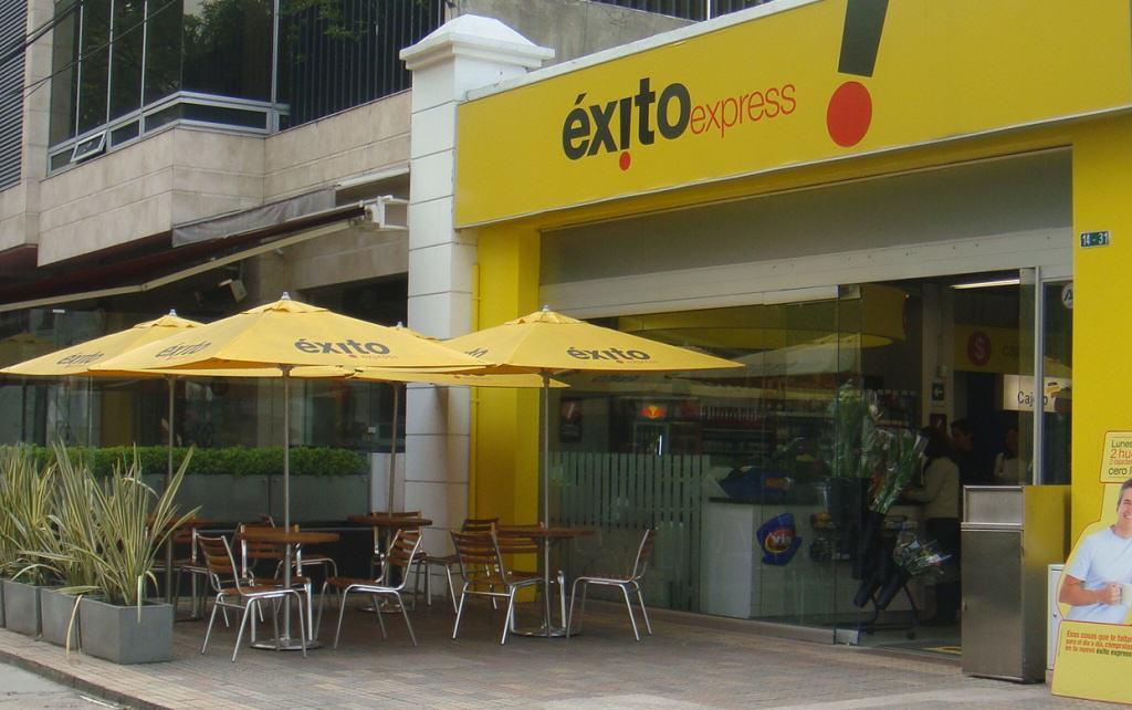 Fachada Exito Express Calle 94