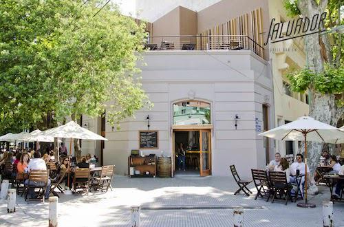 Fachada Salvador Grill Bar