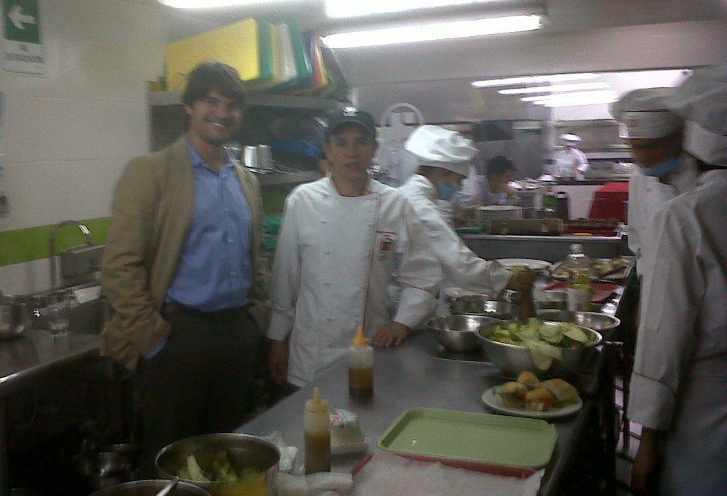 Con Oswaldo, director del programa.